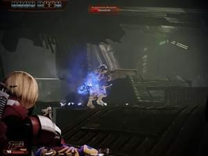 Mass Effect 2 : Wenn Sie im Eingangsbereich warten, tröpfeln an dieser Stelle die Kroganer vereinzelt nach und nach ein.