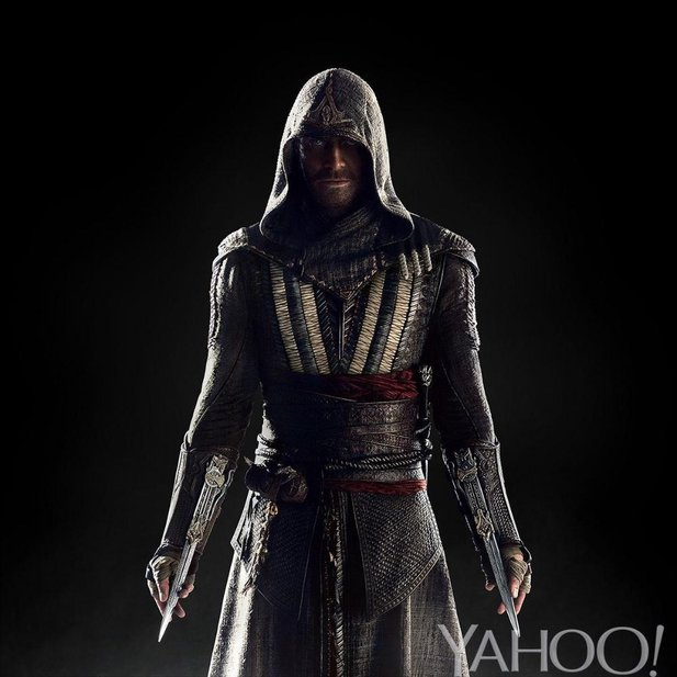 Michael Fassbender als Callum Lynch im kommenden Assassin's Creed Film. (Bildquelle: https://www.yahoo.com/movies/assassins-creed-first-look-heres-michael-127715456582.html)