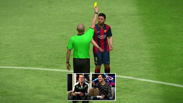 Pro Evolution Soccer 2015 - Multiplayer-Duell mit der PS4- und PC-Version