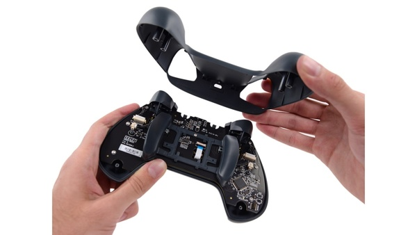 Bilder zu Steam Machine zerlegt - Tear-Down von iFixit