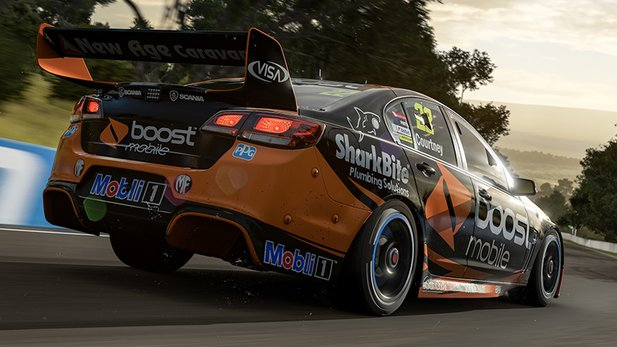 Der 2017 Holden #22 Walkinshaw Performance VF Commodore ist eins der über 700 Autos in Forza Motorsport 7.