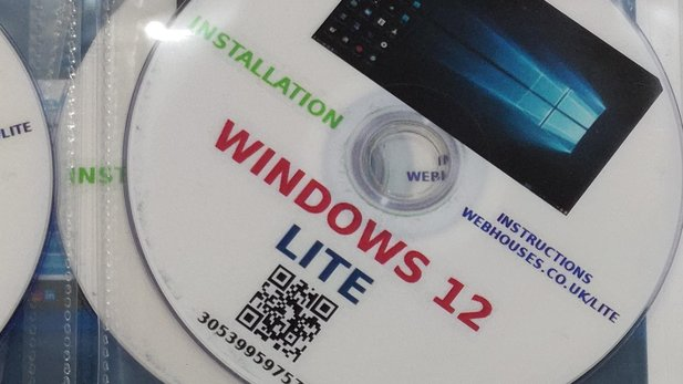 In addition to the version as an installation DVD, the so-called »Windows 12 Lite« is also available on prepared USB sticks according to the appropriate website, but you should generally avoid the corresponding offers.