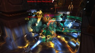 <b>World of Warcraft: Battle for Azeroth</b><br>Im Kampf - besonders in Gruppen - ist und bleibt WoW ein Effektfeuerwerk, das durchaus unübersichtlich wird.
